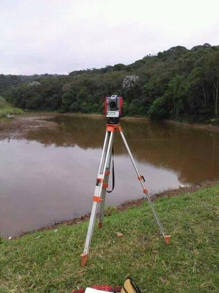 Prestação de serviços de topografia